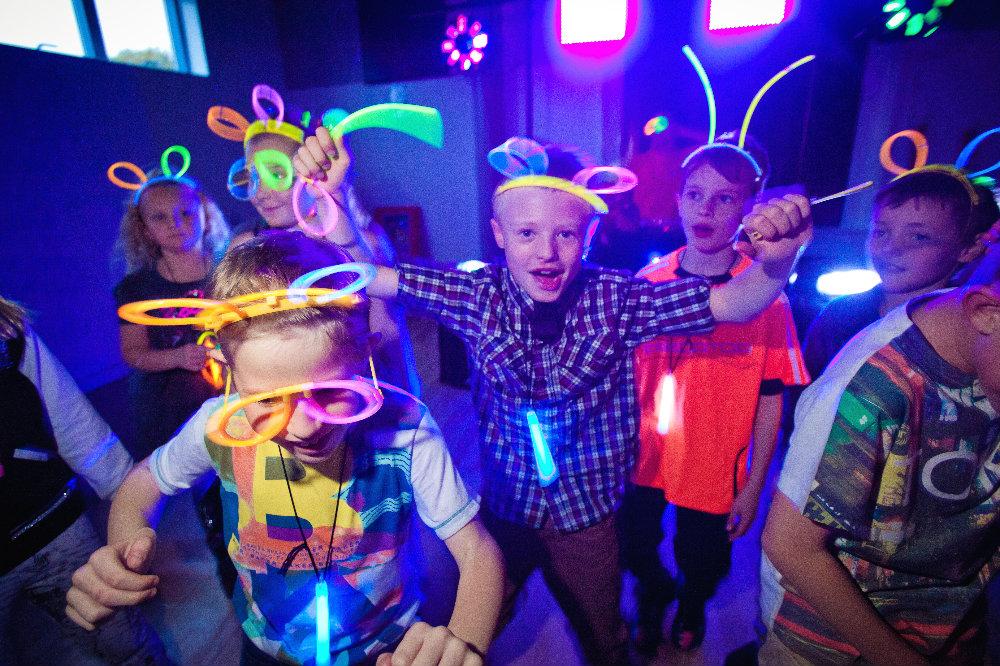 Party bus Bangkok teens birthday party